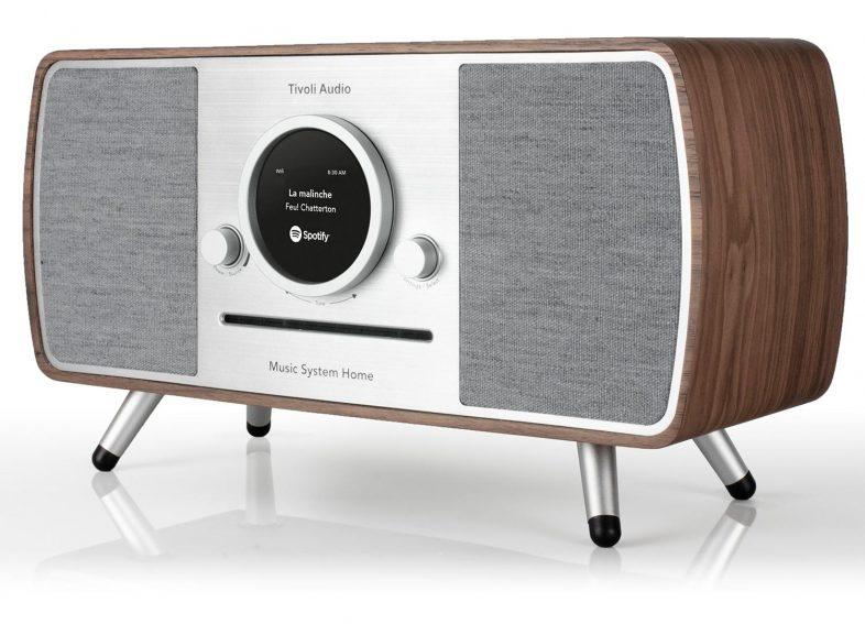 Tivoli Audio music system i valnød fra siden