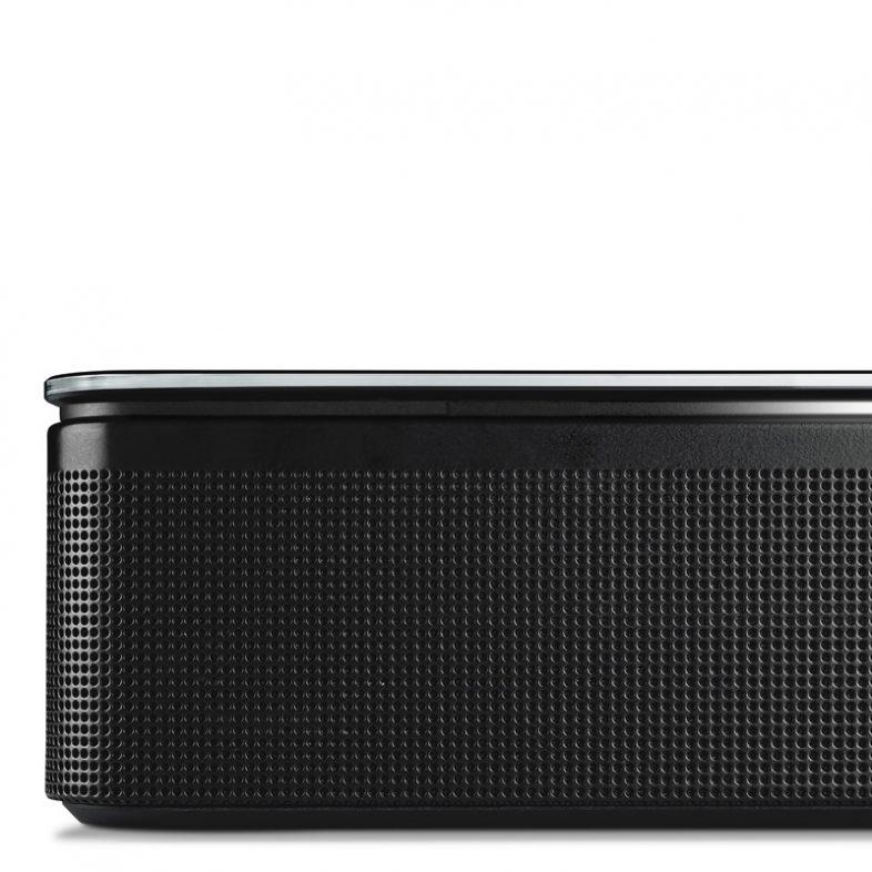 Bose soundbar 700 i sort hjørne