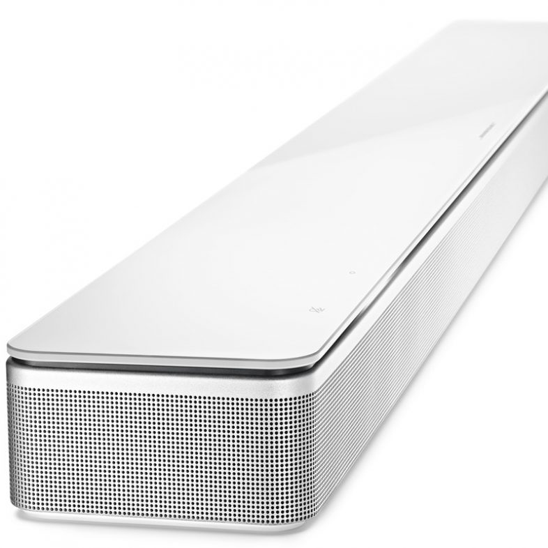 Bose soundbar 700 i hvid fra siden