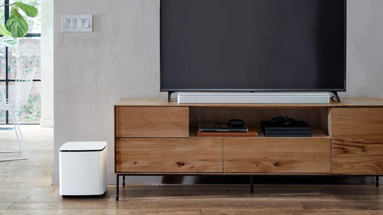 Bose soundbar 700 i hvid lifestyle