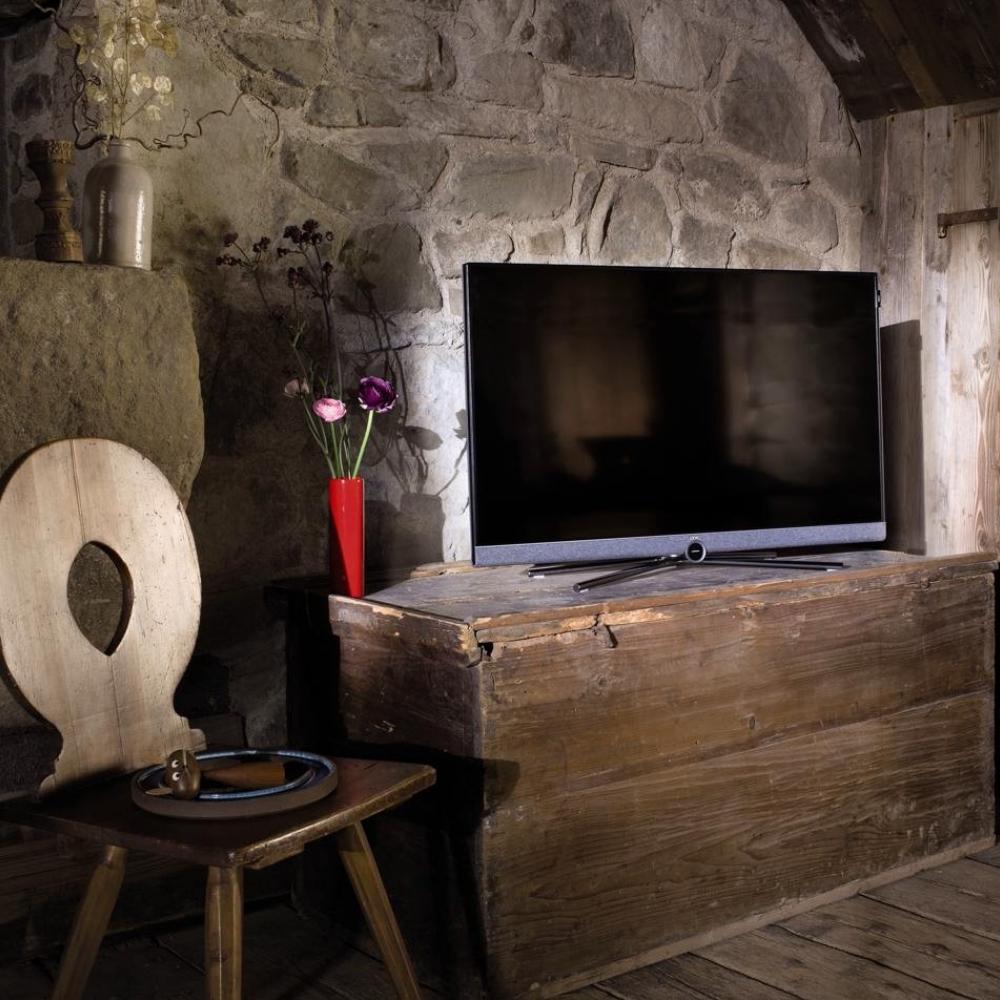 Loewe Bild 5 fjernsyn lifestyle i retrohus