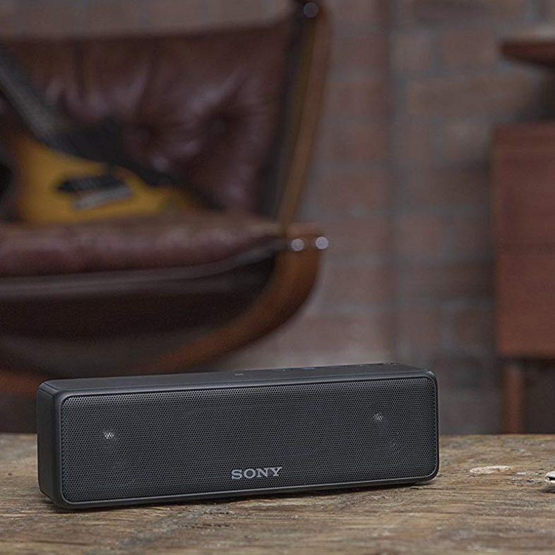 Sony srs hg1 i sort lifestyle på bord